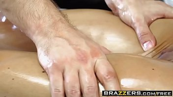 brazzers - sloppy massagist - love buttons jade.