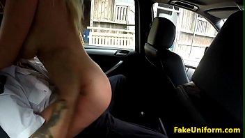 Curvy bigtitted Brit cockrides cop in carsex