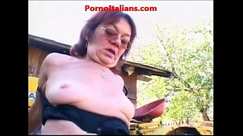 grannie cockslut drills man nonna troia.