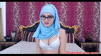 This Muslim has some nice tits