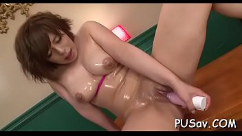 Sexy playgirl with big tits take large didlo in wet cunt