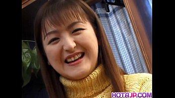 youthful yuki plasy with her ceamy.